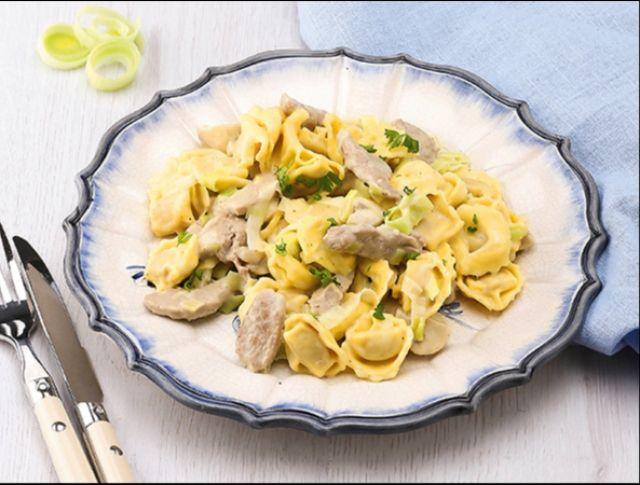 Zöldfűszeres sertéstokány tortellinivel Recept képpel - Mindmegette.hu - Receptek