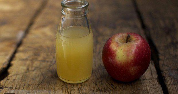 Le vinaigre de cidre de pomme n'est pas seulement bon pour vos salades, c'est également un produit cosmétique naturel très efficace contre l'acné, les rides