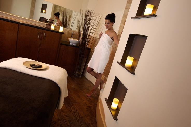 Best Price Hotel Room Overlooking London Bridge