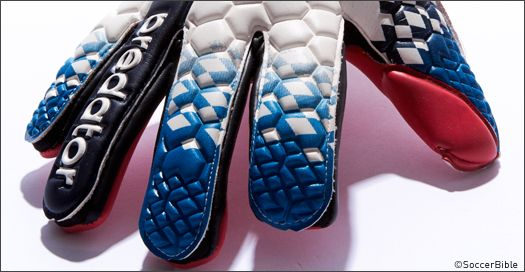 A closer look at the Bayern Munich goalkeeper's exclusive Predator Pro colourway. : Goal Keeper Gloves : Soccer Bible