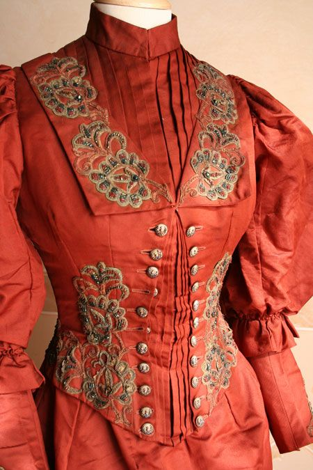 BEAUTIFUL colors. Love the embroidery and button. 1892