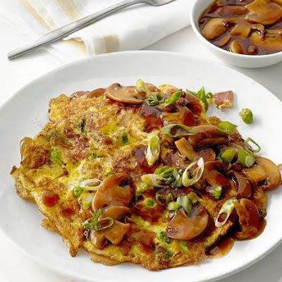 Egg Foo Yung (vegetable) with sauce @keyingredient #chicken #vegetables