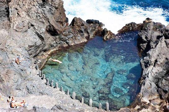 Rendez-vous sur la côte au nord de Ténérife sur les Îles Canaries