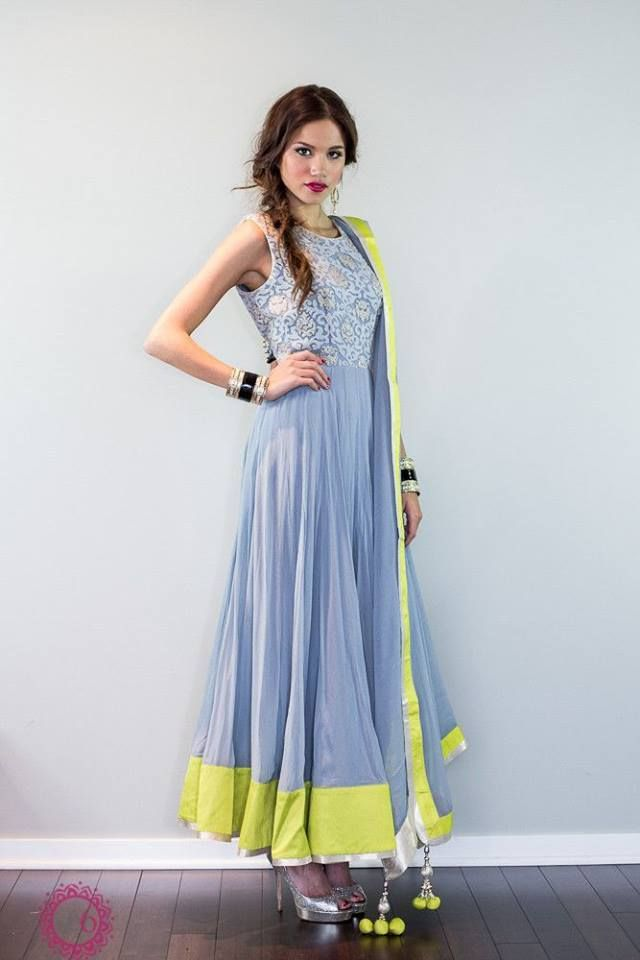 Make yourself cherish & pampered in this melodic designer anarkali salwar suit. This beautiful anarkali salwar suit enric...
