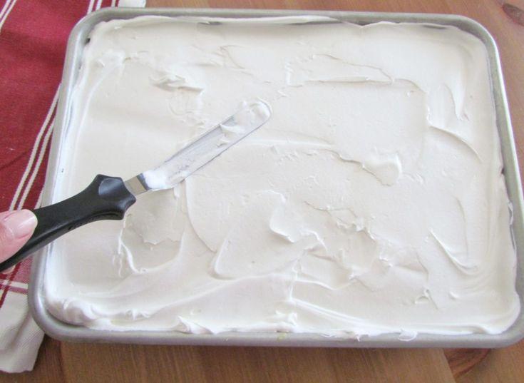 Banana pudding poke cake 10.jpg