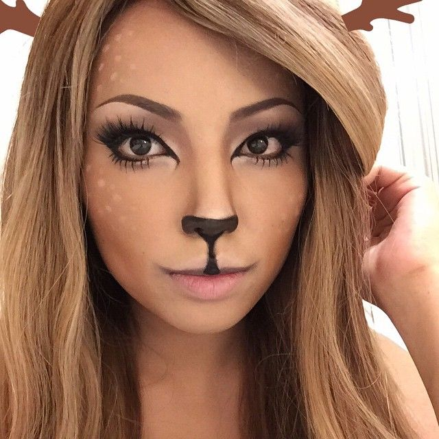 Reindeer/ Deer girl Makeup  Used a lot of bronzer and contour shadow. My lashes are 'Iconic' from @houseoflashes