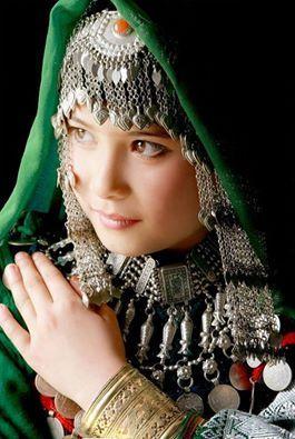 Hazara TÜRK kızı