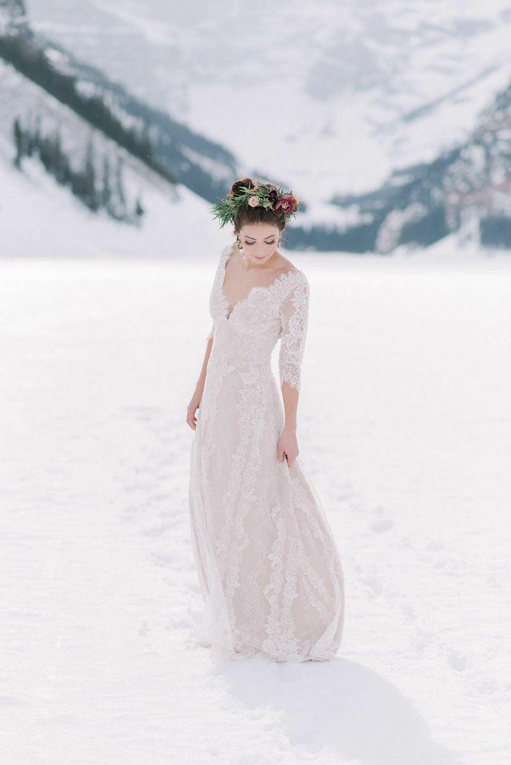 Snowy wedding ideas @wedddings