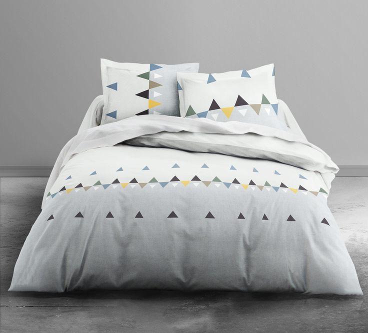 #parure #lit #chambre #geometrique #decoration Housse de couette 240x260 cm + drap housse + 2 taies d'oreiller MICHA - BUT