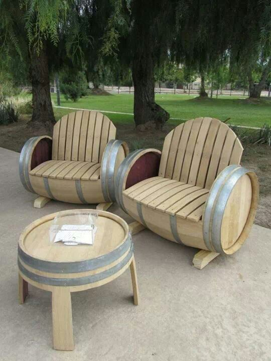 Looking for a backyard DIY project to complement your swimming pool? We love these statement wine-barrel chairs and table!