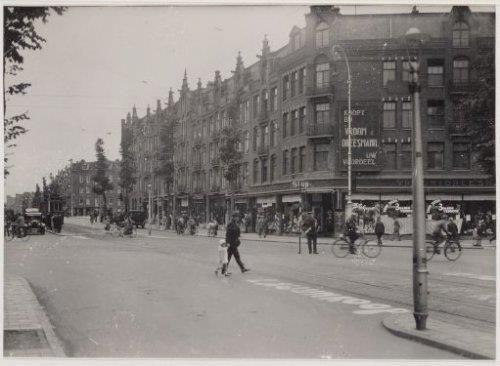 V&D aan de Bilderdijkstraat/De Clercqstraat (sloot circa 1899 Amsterdam