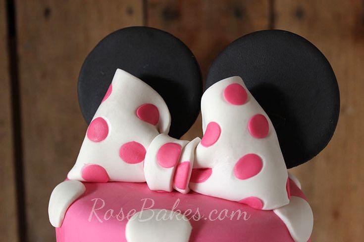 How to Make a Polka Dot Fondant Bow (a Minnie Mouse Bow!)
