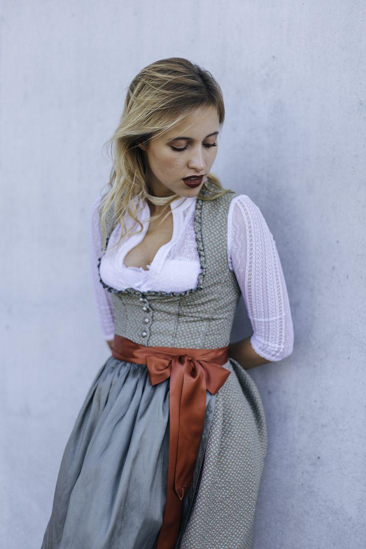 Oktoberfest Make-Up ♥ Wiesn ♥ Dirndl ♥ wasserfestes Make-Up ♥ Oktoberfest ♥ lest alles dazu hier ♥ München ♥ Tracht ♥ Ludwig & Therese ♥ Bayern ♥
