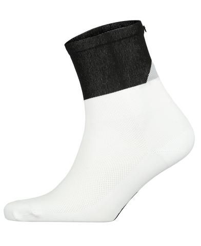 FINGERSCROSSED black Mountain cycling performance racing socks from The Cycling Store