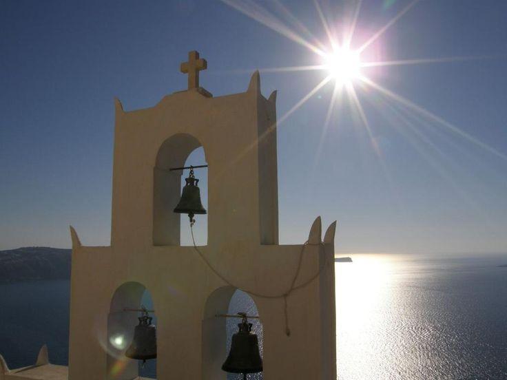 Romantic scenery at Agios Nikolaos on Megalochori... #Santorini