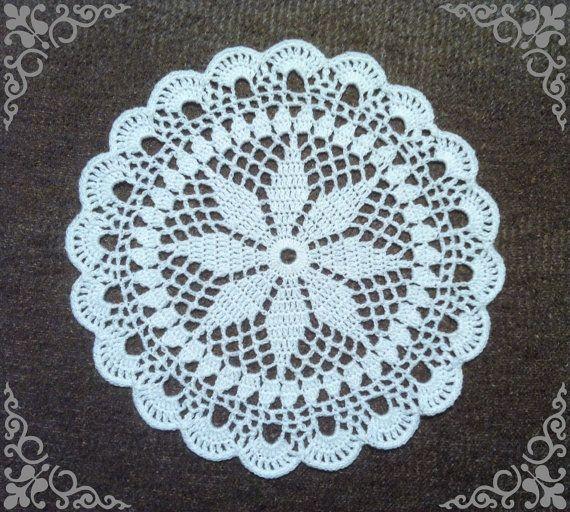 Doily / 26 cm / white / MANDALA  / Crochet / Round by onestroke08
