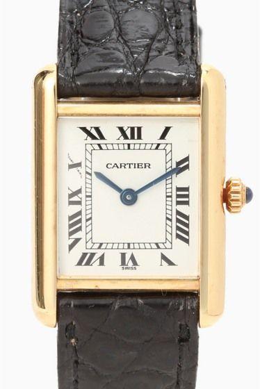 CARTIER TANK SM 18kyg  CARTIER TANK SM 18kyg 410400 ヴィンテージのCARTIER TANK(タンク)のご紹介です シンプルかつ普遍性のあるデザインであることから 100年以上愛され続けているカルティエの代表的な腕時計です 肌馴染みのよい18KYGのケースは 洗練されたエレガンスさを漂わせます デイリーにお使いいただける定番デザインは 永くご愛用いただけますよ 世界中の人々を魅了し続けている 歴史あるブランドカルティエの腕時計を身につけ 新たな気持ちで新生活を迎えてみてはいかがでしょうか 点物になりますので是非お早めに 素材18KYG ムーブメント電池式 防水性非防水 HIROBの保証が1年つきます オーバーホール済みです USEDの為細かい小傷がある場合がございます あらかじめご了承下さいませ またアンティークウォッチは全てUSED品になりますので ご購入後の返品交換は出来ません 修理等のアフターサービスなどご不明な点がありましたら お気軽にお問い合わせ下さいませ 尚AWの取り扱い注意点に関しましては…
