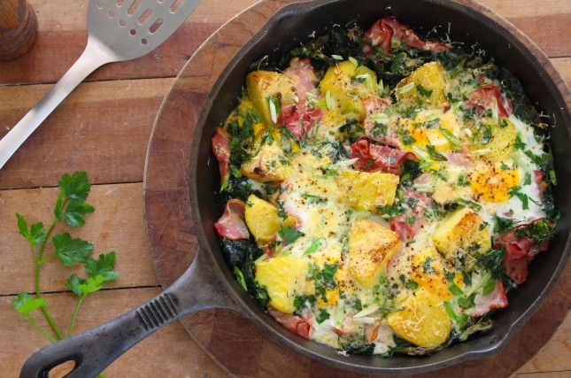 This breakfast hash is packed with bacon, potatoes, cheese and veggies.