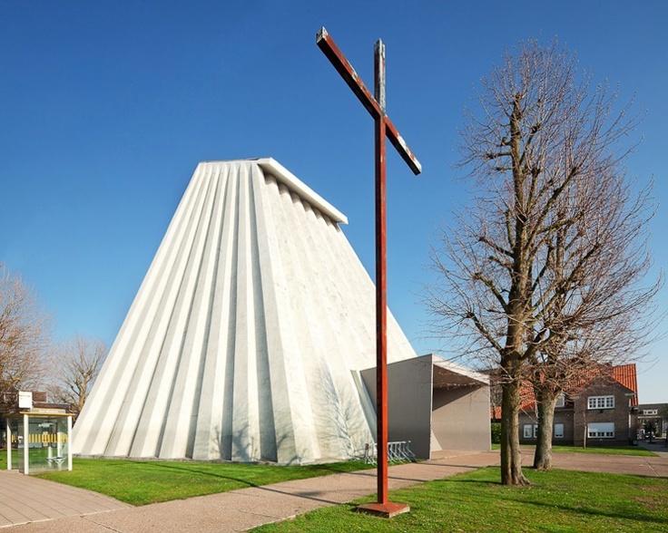 I Love Belgium, Blog, Belgian, Harelbeke, architecture, modernist, Le Corbusier, Leon Steynen, Tim Van de Velde, Photgraphy, Brutalism