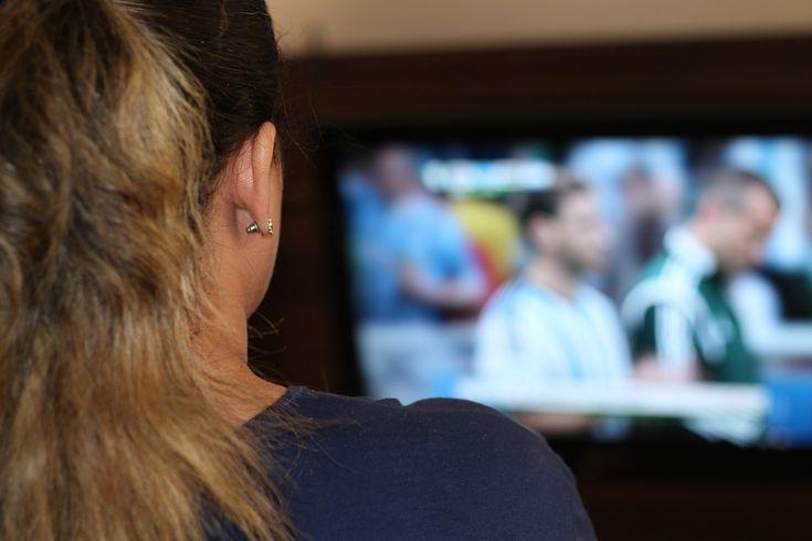 Comment brancher un casque tv sans fil ou un home cinema - http://www.tinteo.com/2016/02/comment-brancher-casque-tv-sans-fil/