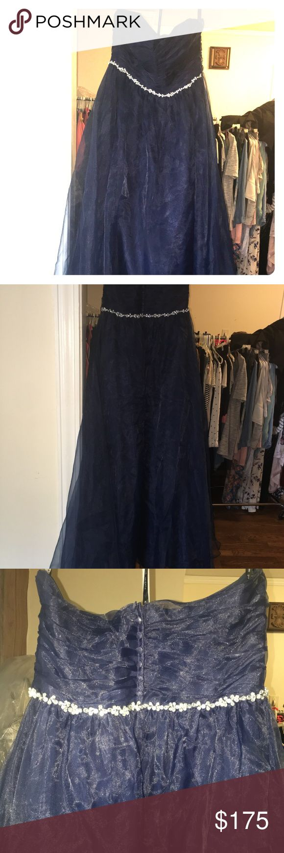 Alfred Angelo Sapphire Bridesmaid Dress https://www.theknot.com/fashion/8107l-sapphire-bridesmaids-by-alfred-angelo-bridesmaid-dress There's is a tear at bottom of skirt - last picture shows damage. Alfred Angelo Dresses Wedding