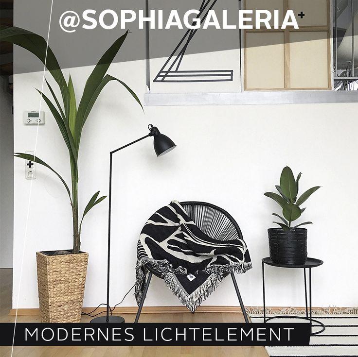 Interior Lover Und Einrichtungsexpertin @sophiagaleria Mag Es Gerne Schwarz  Auf Weiß. Deshalb Ist Die