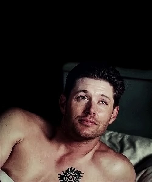 Tattoo/hair appreciation - I'm going to enjoy the hell out of Demon!Dean (lol) while I can--these kinds of shots won't be on the screen forever!