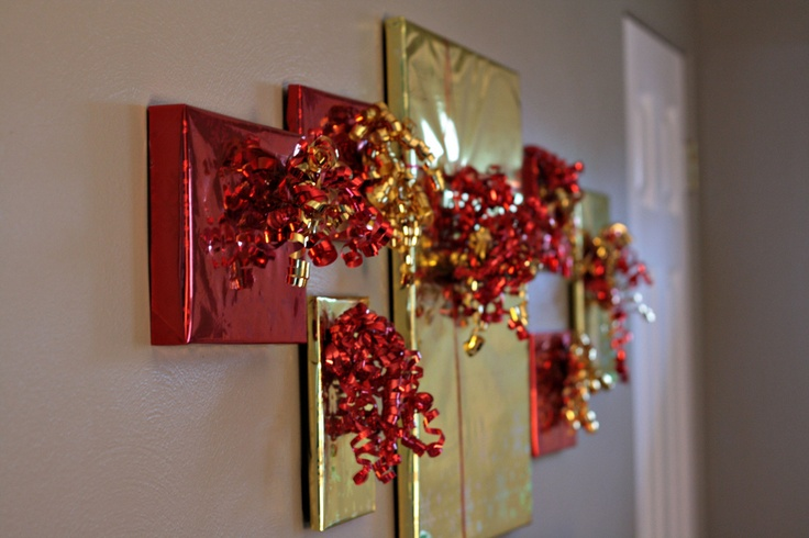 Christmas decorationsHanging Pictures, Christmas Pictures Frames, Christmas Presents, Cute Ideas, Christmas Decorations, Picture Frames, Wraps Pictures, Wraps Paper, Holiday Decor