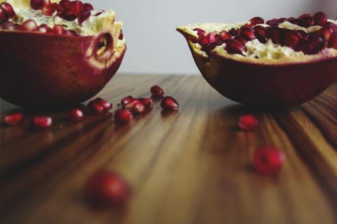7 exkluzivních rostlinných olejů na pomoc proti vráskám a unavené pleti | Kouzlo vůní