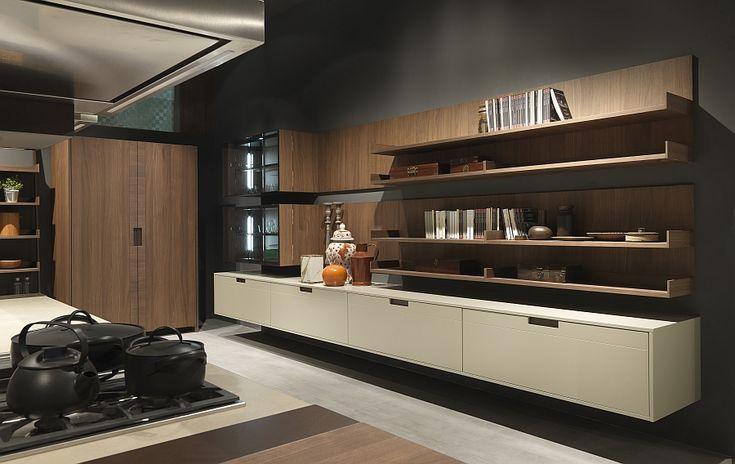 Wooden backdrop, floating shelves and cabinets in the rustic Arts and Crafts kitchen  Voor meer keukens kijk ook eens op http://www.wonenonline.nl/keukens/