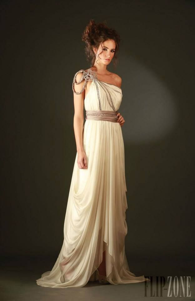 Learn About The Grecian Style Of Dressing