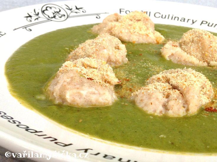Zkuste místo nudlí polévku vylepšit těmito knedlíčky. Jejich příprava je jednoduchá, hodí se do vývaru, rajčatové polévky i zeleninových krémů.