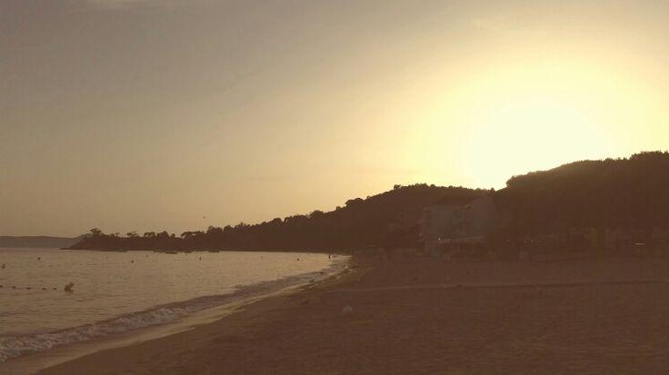 Jour 11 Eigentlich Abend des Jour 10. Sonnenuntergang am Strand von Cavalaire.