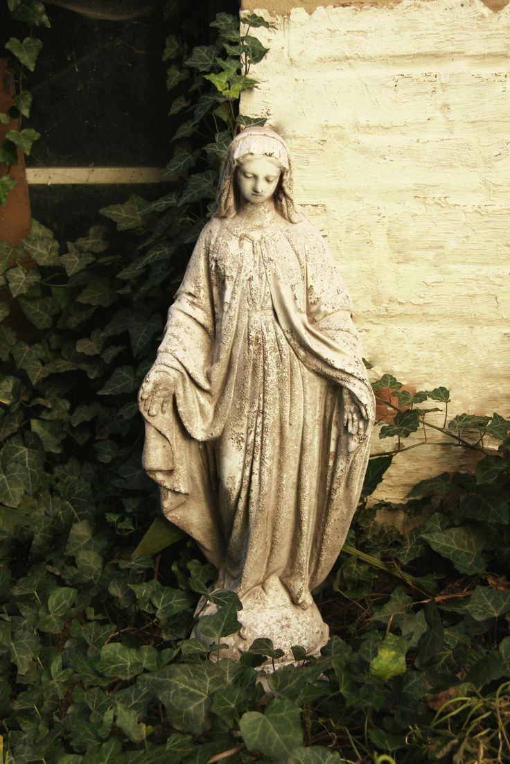 OrlandiStatuary Religious Mary Statue | Wayfair