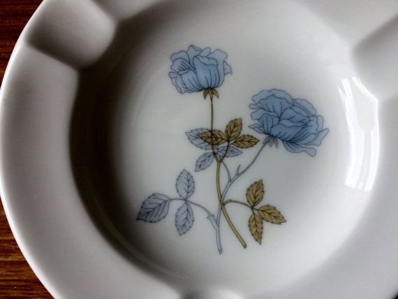 Vintage Wedgwood Ash Tray. Ice Rose Bone China 1960s Porcelain Ash Tray.  Made in England. VCH0113/2