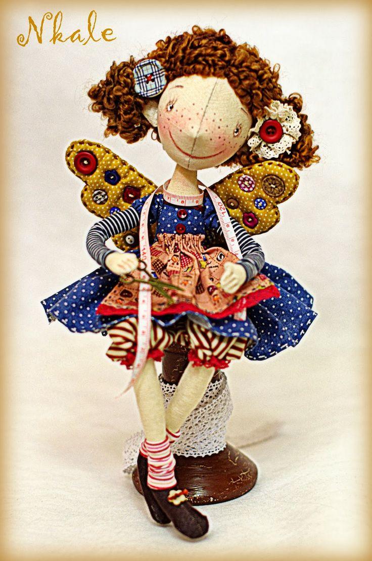 著者織物の人形:各おもちゃの中心部に位置しNKALE :-)