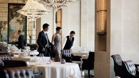 Hong Kong Restaurant & Bar | Four Seasons Hotel Hong Kong