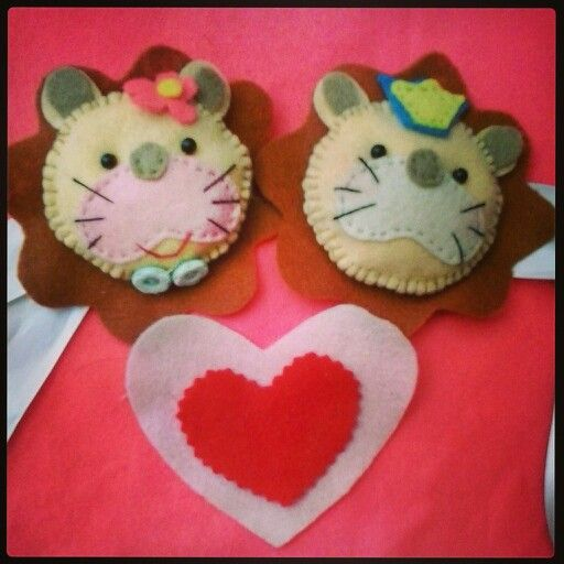 Lion Couple. Curtain Holder. Felt. Handmade.