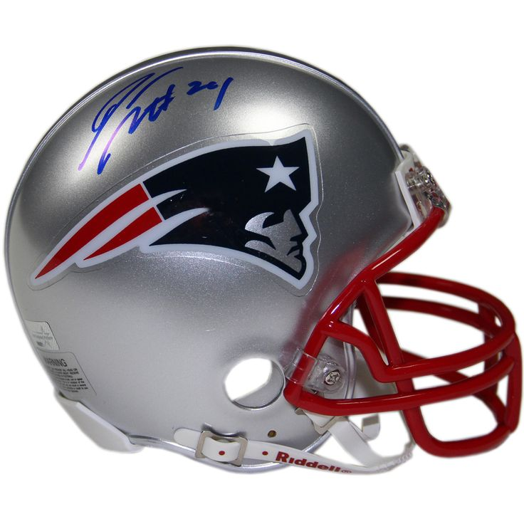 Darrelle Revis Signed New England Patriots Mini Helmet (New England Picture Auth) - Patriots Cornerback Darrelle Revis has personally hand-signed this Patriots Mini Helmet-Revis in recent is considered one of the top Cornerbacks in the NFL today. Revis is known as Revis Island for his ability to shut down the opposing number one receivers in the game today. Revis spent most of his career with the New York Jets and is now a member of the Jets AFC rival the New England Patriots. He is a five…
