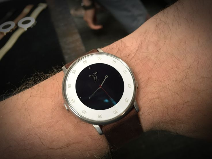 Pebble Debuts Its First Round Smartwatch With The Pebble Time Round | TechCrunch