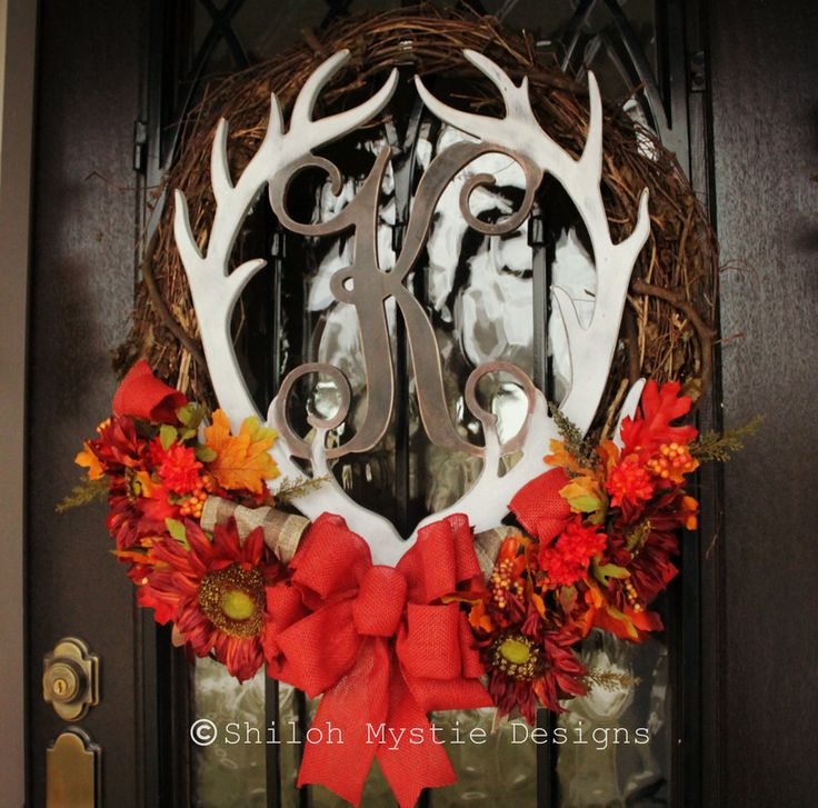 Antler Monogrammed wreath #deerantlerwreath #antler #wreath