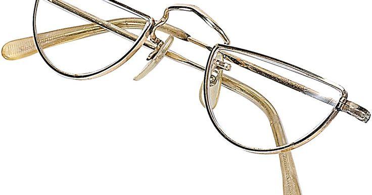Cómo estimar la graduación de lentes de lectura sin prescripción. Los lentes de lectura sin prescripción son similares a los recetados por un médico, pero los cristales tienen algunas diferencias. La graduación de prescripción, también llamada poder (una forma de estimar los cristales) es usualmente diseñada de la misma forma en los lentes de prescripción y en los no prescritos, pero cómo se hacen los cristales ...