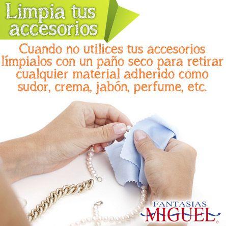 ¡Tips para limpiar tus accesorios! Cuando no utilices tus accesorios limpiarlos con un paño seco para retirar cualquier material adherido como sudor, crema. jabón, perfume, etc.