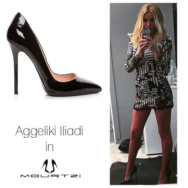 ΑΓΓΕΛΙΚΗ ΗΛΙΑΔΗ Aggeliki Iliadi in Mourtzi shoes! www.mourtzi.com #mourtzi #blackpumps #posh