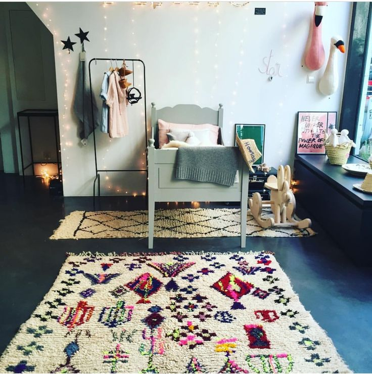 Adorable rug for a vintage style kids room