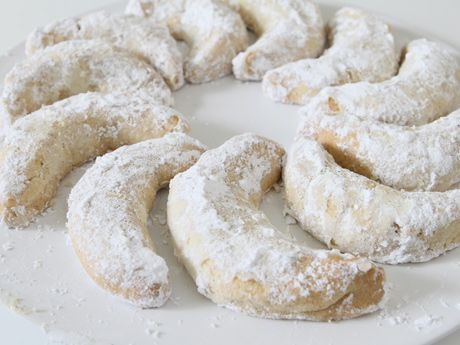 """Are these the same as Mom's recipes? """"Viennese Crescents, from an old NY Times recipe. This and similar recipes are also known as Danish Wedding Cookies, Mexican Wedding Cookies, Russian Tea Cakes, Polvorones, Sand Tarts etc. I will be posting the variations I use and/or find : http://www.epicurious.com/recipes/food/photo/Patricias-Viennese-Crescents-368713                  Patricia's Viennese Crescents Photo   at Epicurious.com (BTW: In the South we use pecans or almonds instead of…"""