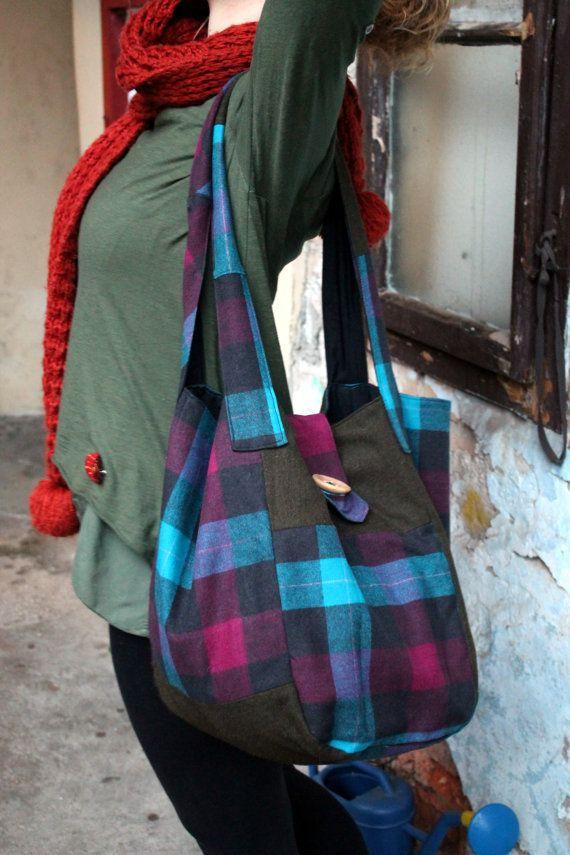 Autumn Bag with wooden buttonbig bagwinter by JaraKacaHandmade
