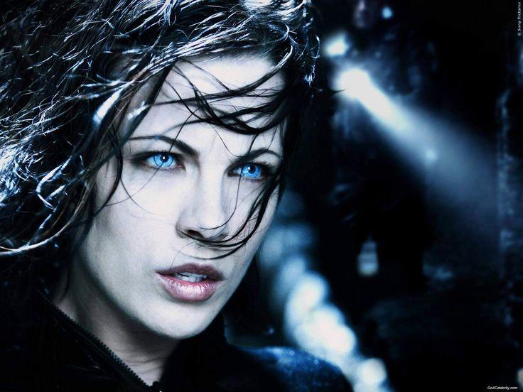 Vampirin Selene zieht in den Kampf und schwört Rache. Vampire und Lykaner sind hinter ihr her, aber Kate Beckinsale dreht den Spieß um! Underworld 5 Blood Wars: Neuer deutscher Trailer ➠ https://www.film.tv/go/35494  #KateBeckinsale #Underworld5 #BloodWars