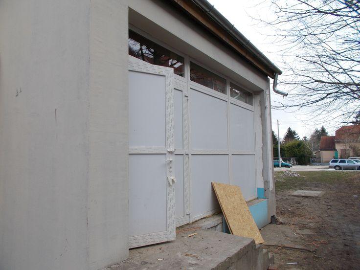 A művelődési ház felújítása a végéhez közeledik!  Beszámoló képekben. (18 fotó) http://www.pomaz.hu/news/814/a-m�vel�d�si-h�z-fel�j�t�sa-a-v�g�hez-k�zeledik