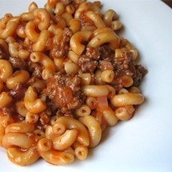 "American Chop Suey II | ""This is an old family recipe. My family loves it. It's quick and easy. Elbow macaroni and ground beef are combined in a tomatoey sauce. The kids will eat this one!"""
